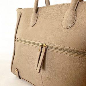 バッグの外側 前ポケット